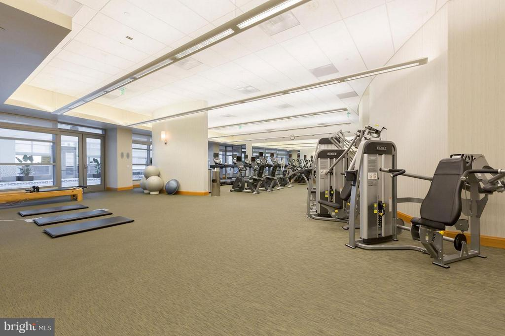Building Fitness Center - 1881 NASH ST #1404, ARLINGTON