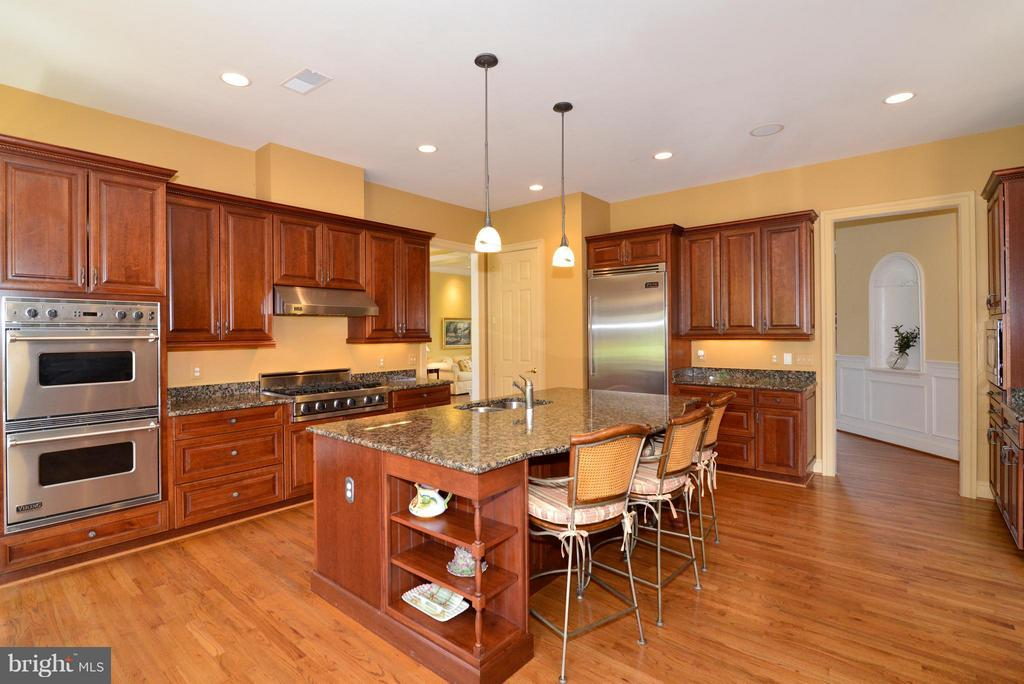 Double ovens - 41707 PUTTERS GREEN CT, LEESBURG