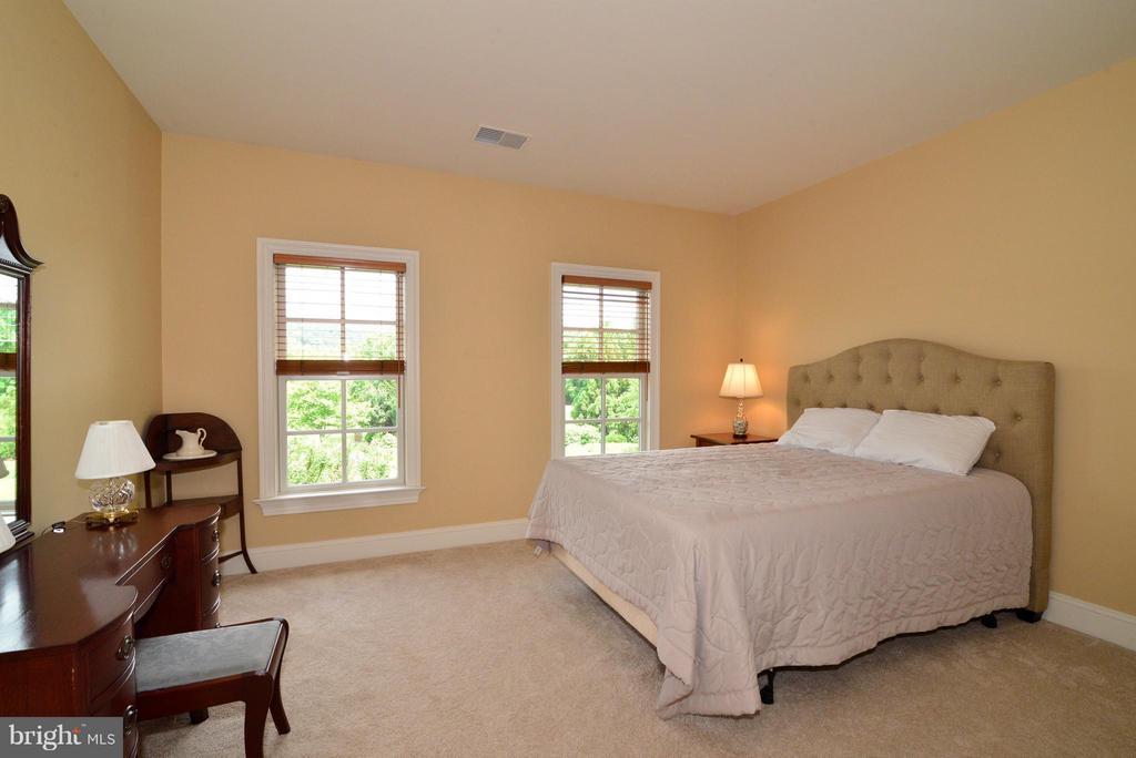 Bedroom #3 - 41707 PUTTERS GREEN CT, LEESBURG