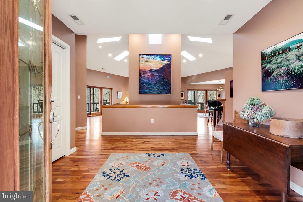 A Stunning Interior is a Peaceful Sanctuary! - 23 FISHHAWK PASS LN, FLINT HILL