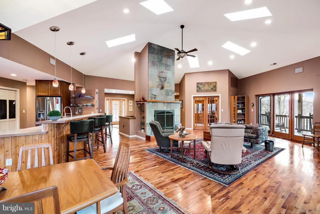 Hexagonal Great Room is the Heart of This Home! - 23 FISHHAWK PASS LN, FLINT HILL