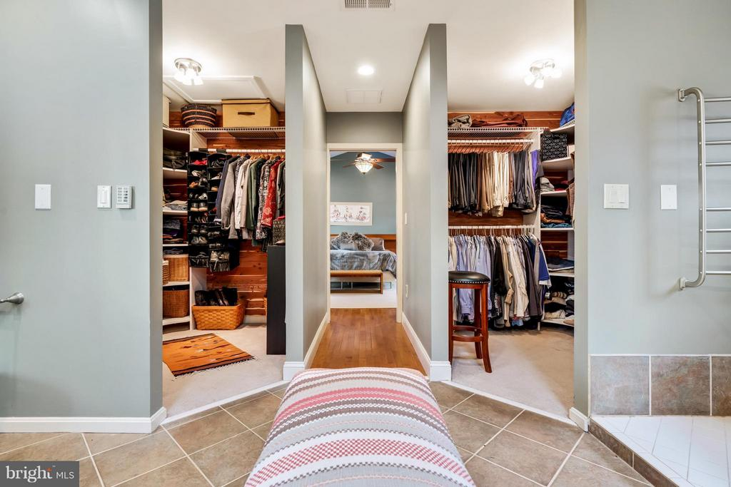 Two Spacious Dressing Closets - 23 FISHHAWK PASS LN, FLINT HILL