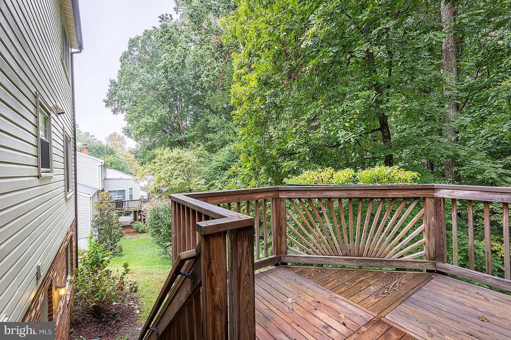 Deck with Stairs - 15324 EDGEHILL DR, DUMFRIES