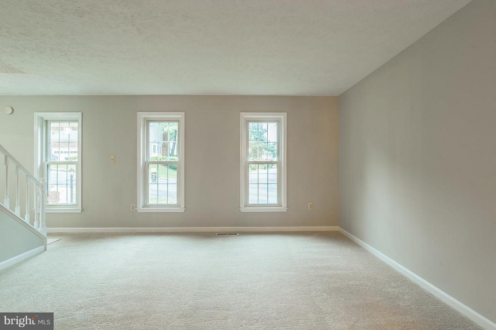 Living Room - 15324 EDGEHILL DR, DUMFRIES