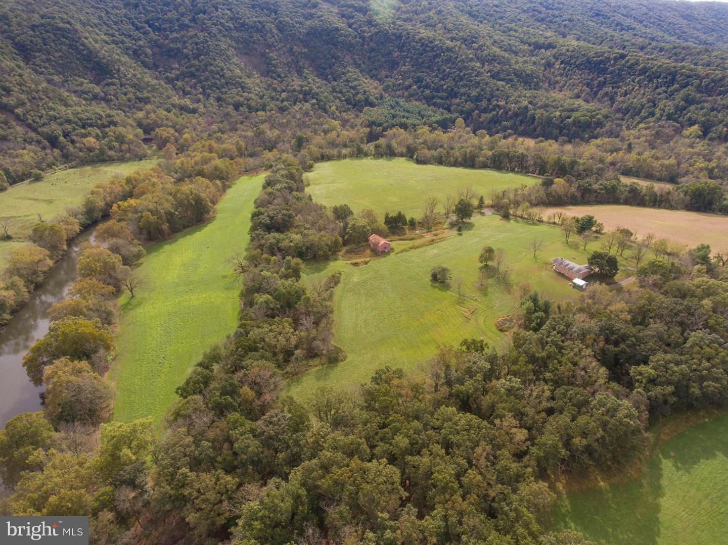 Farm for Sale at 2497 Moose Rd Woodstock, Virginia 22664 United States
