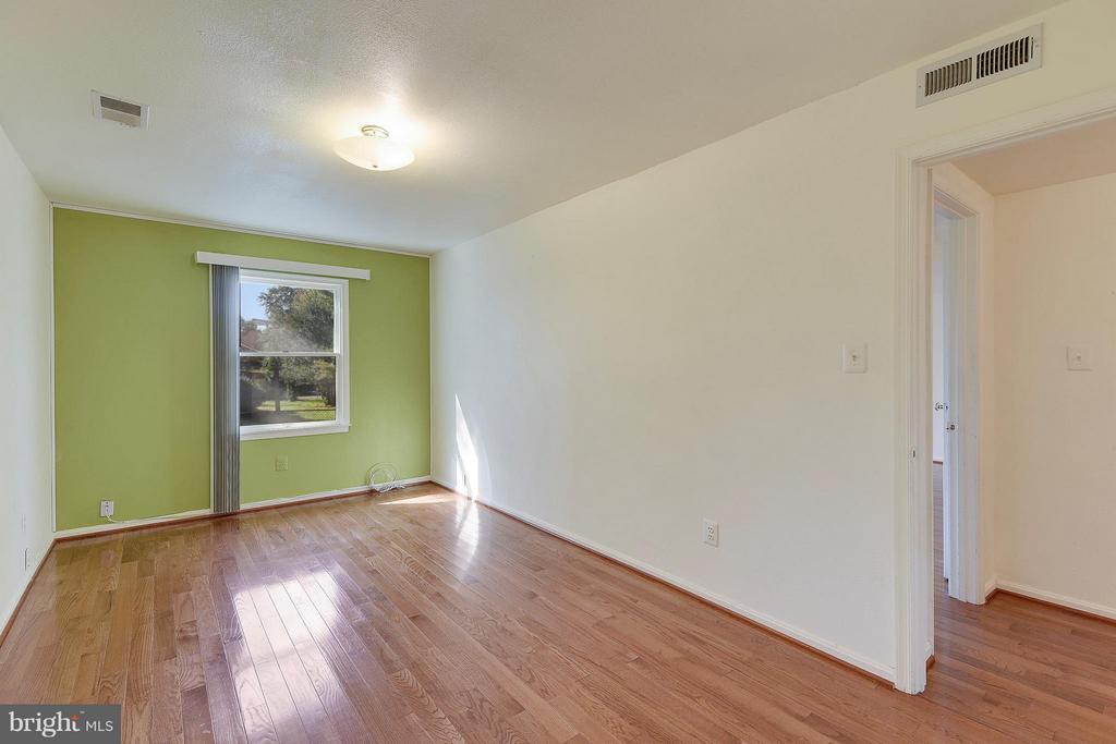 Main Level Bedroom 2 - 1341 GORDON LN, MCLEAN