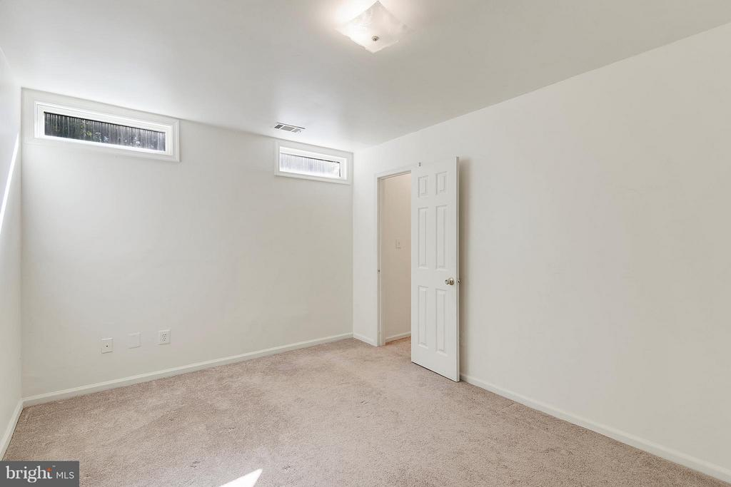 Bedroom 6 with Walk-in Closet - 1341 GORDON LN, MCLEAN
