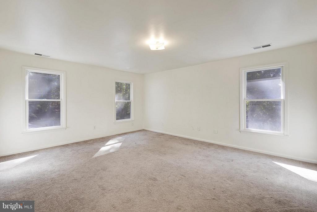 Bedroom 7 - 1341 GORDON LN, MCLEAN