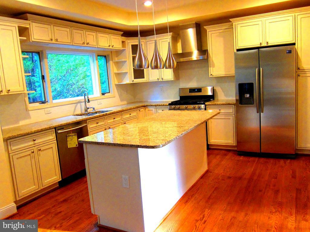 Kitchen - 5901 COLCHESTER RD, FAIRFAX