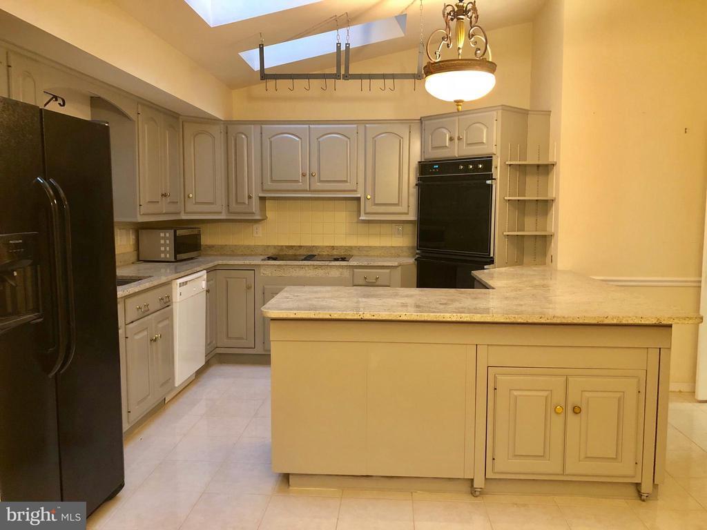 Kitchen - 10901 FOX SPARROW CT, FAIRFAX
