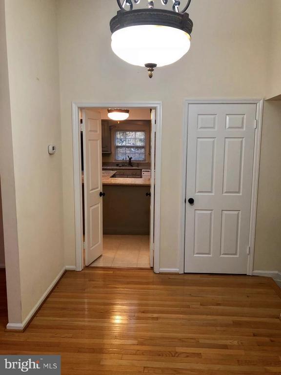 Family  Room - 10901 FOX SPARROW CT, FAIRFAX