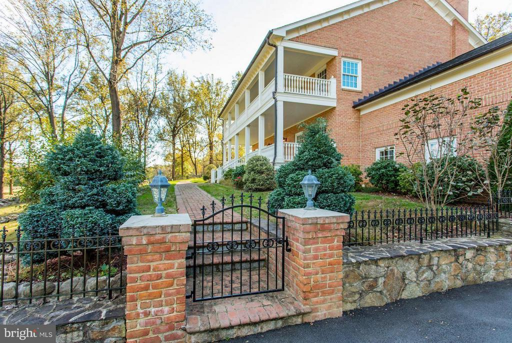 Gated Entrance - 12717 HARPERS FERRY RD, PURCELLVILLE
