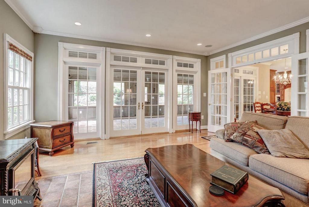 Family Room Opens to Screened Porch - 12717 HARPERS FERRY RD, PURCELLVILLE