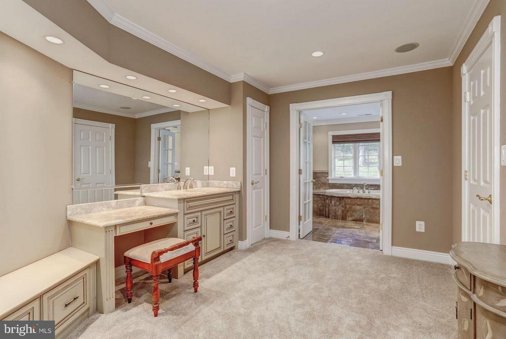 Master Bath Dressing Area - 12717 HARPERS FERRY RD, PURCELLVILLE