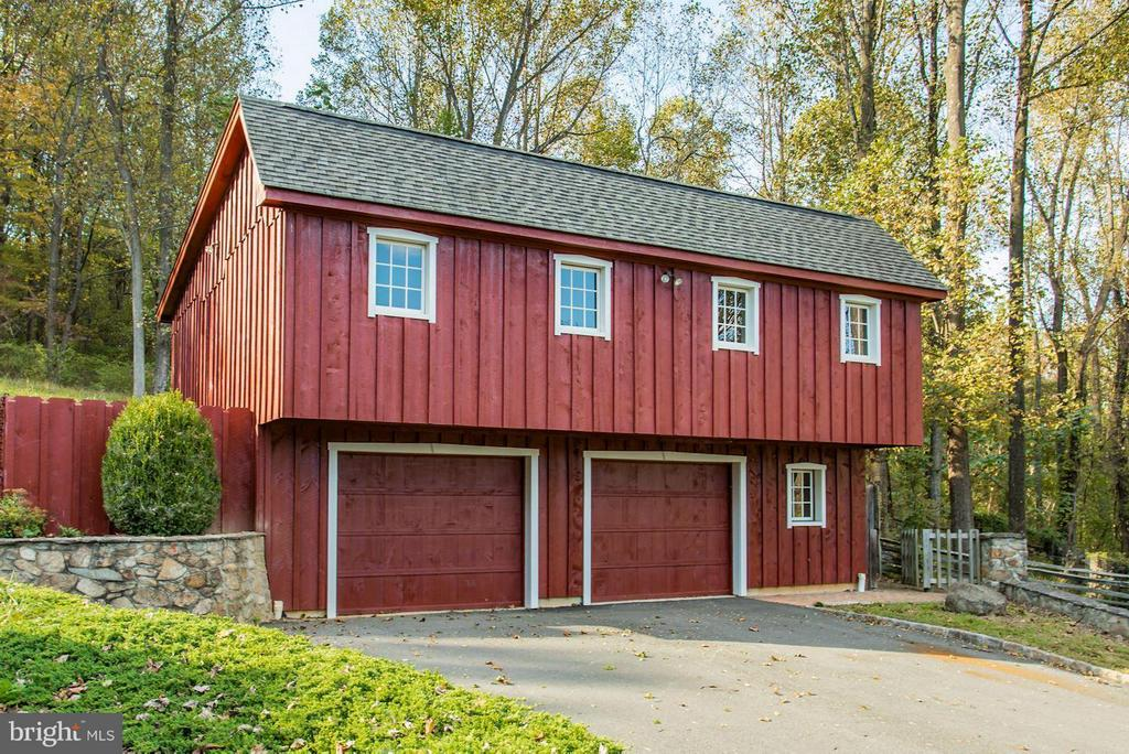 Garage with Workshop - 12717 HARPERS FERRY RD, PURCELLVILLE