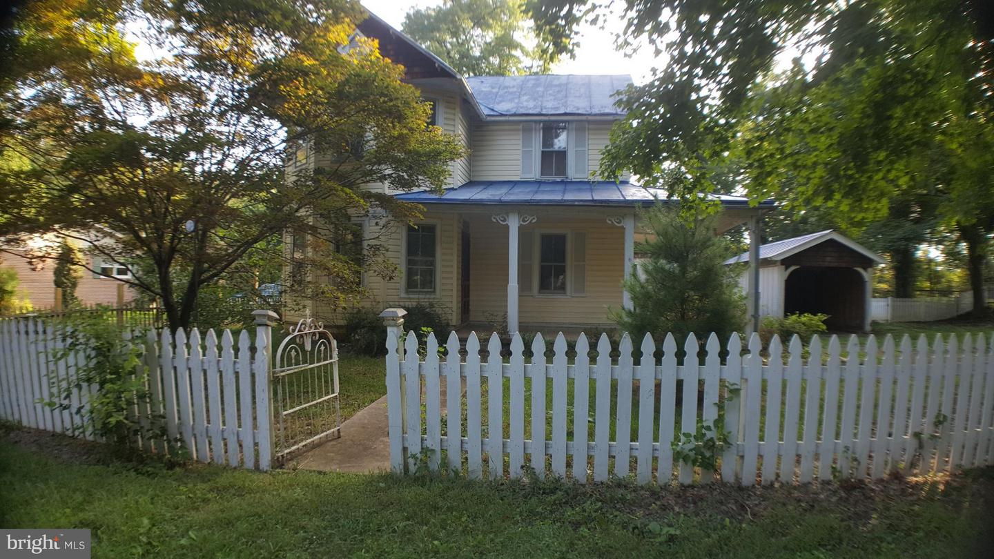 Single Family for Sale at 230 Hawthorne Ave Summit Point, West Virginia 25446 United States