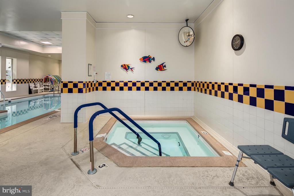 Hot tub - 900 N TAYLOR ST #1924, ARLINGTON