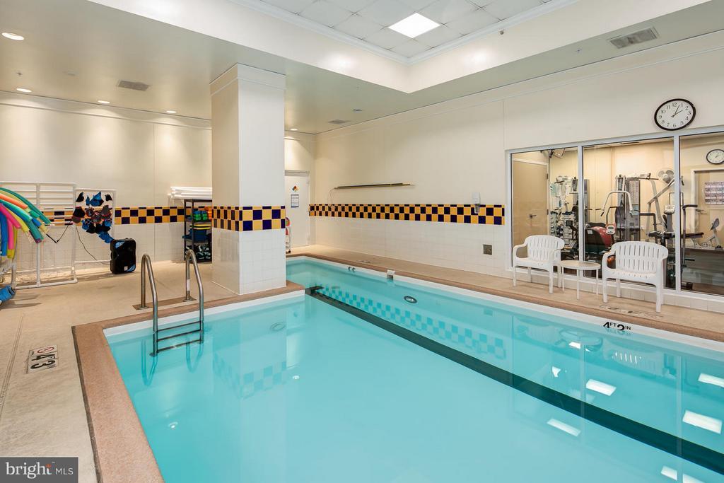 Heated pool - 900 N TAYLOR ST #1924, ARLINGTON