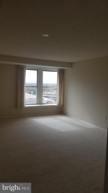 Living room view - 900 N TAYLOR ST #1924, ARLINGTON