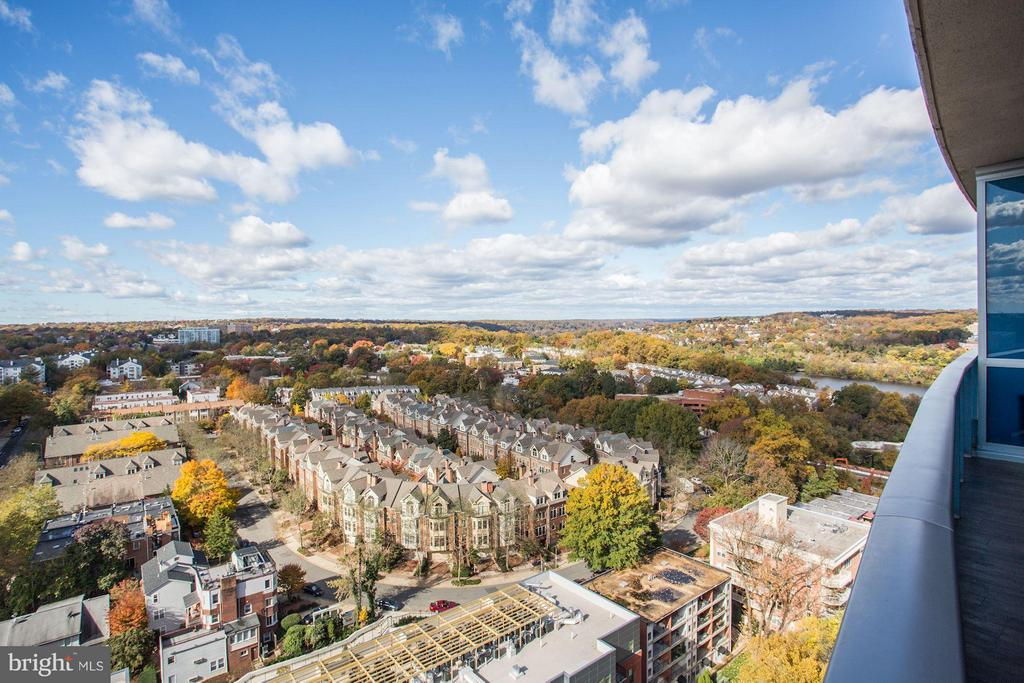 Stunning Views from Every Room - 1881 N NASH ST #2102, ARLINGTON