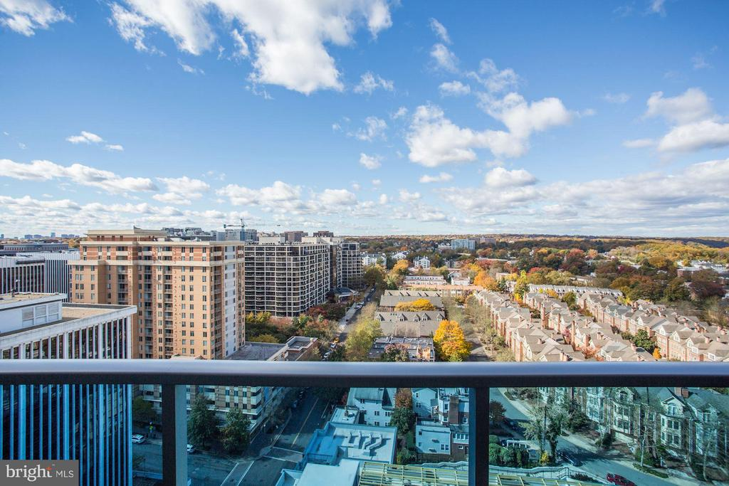 Awesome, Panoramic Views from Every Room - 1881 N NASH ST #2102, ARLINGTON