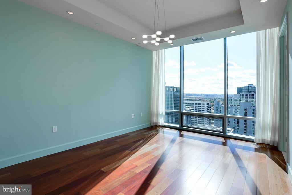 Bedroom #3 w/En Suite - 1881 N NASH ST #2102, ARLINGTON