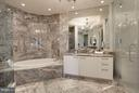 Marble Master Bath w/Water Closet - 1881 N NASH ST #2102, ARLINGTON