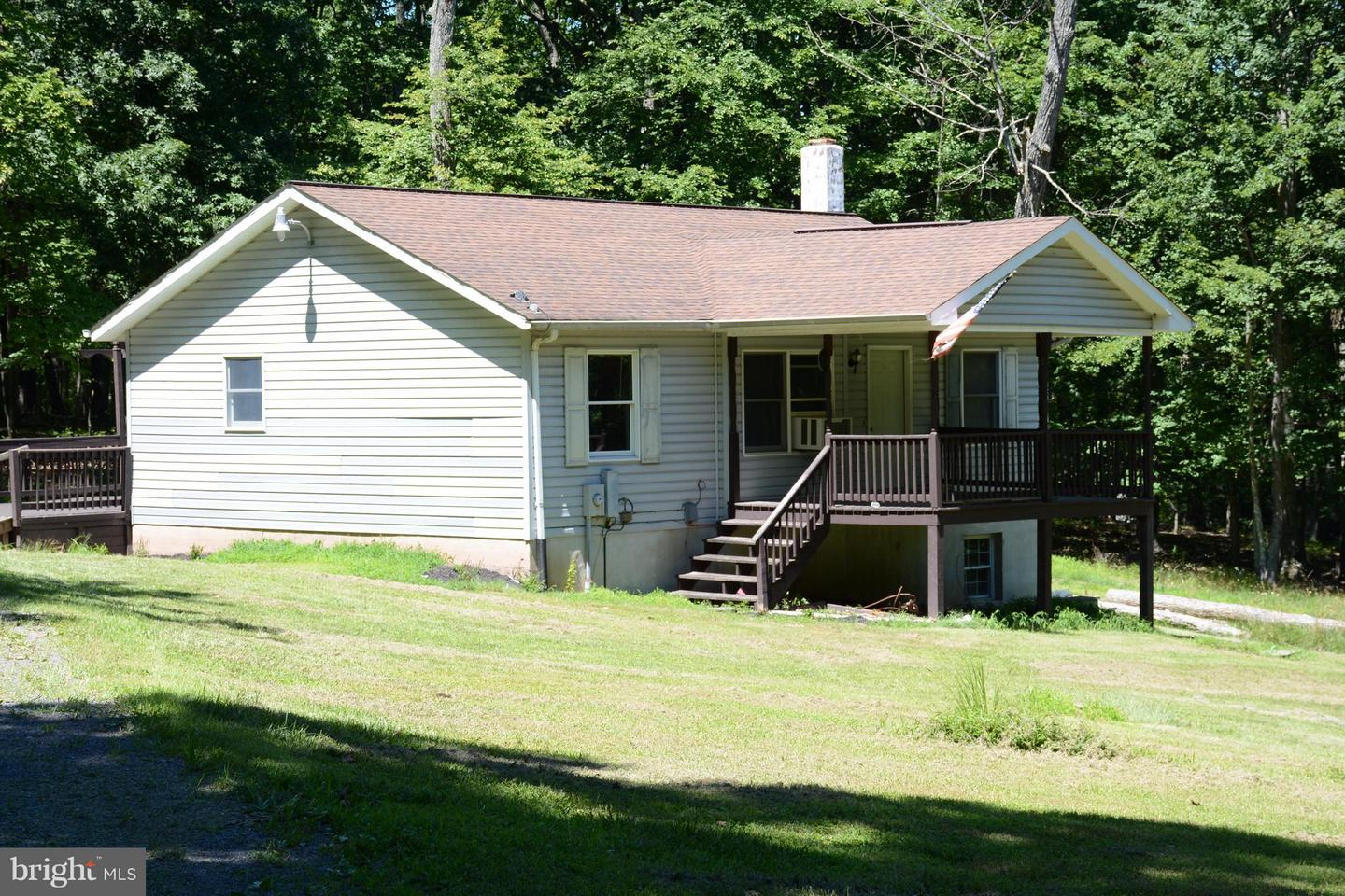 Single Family for Sale at 854 Janes Way High View, West Virginia 26808 United States