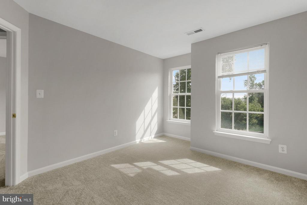 3rd Bedroom faces the front of the home - 24643 CLOCK TOWER SQ, ALDIE