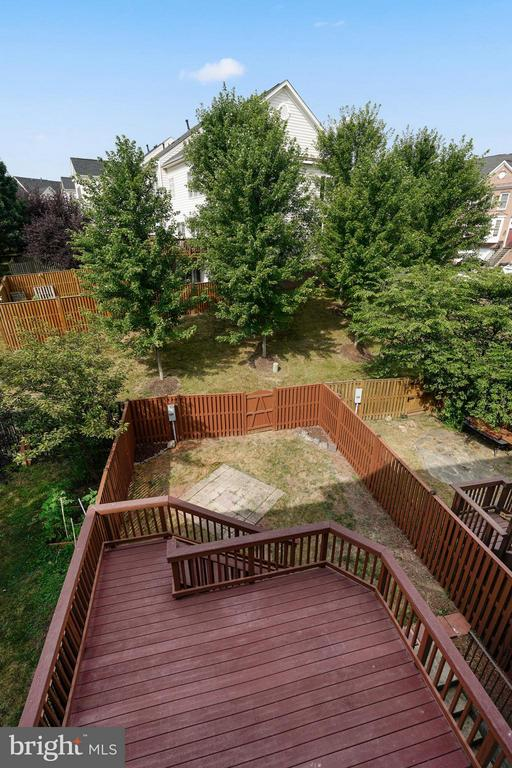 View from Master Bedroom of Fully Fenced Backyard! - 24643 CLOCK TOWER SQ, ALDIE