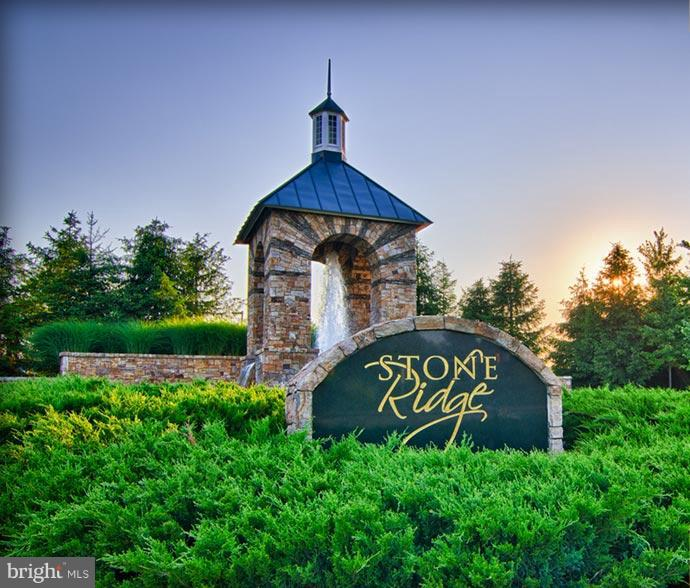 Community Entrance! Walking distance to shopping! - 24643 CLOCK TOWER SQ, ALDIE