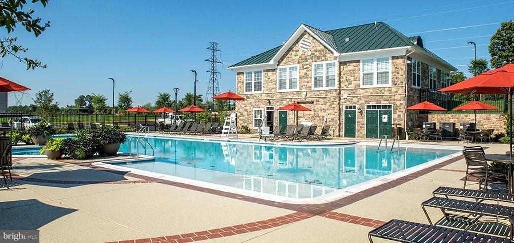 Community Pool! - 24643 CLOCK TOWER SQ, ALDIE