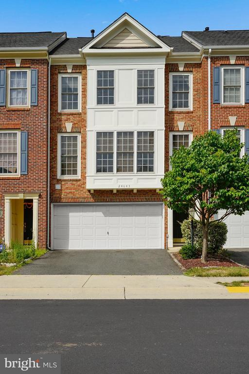 Two Car Garage and Covered Entrance! - 24643 CLOCK TOWER SQ, ALDIE