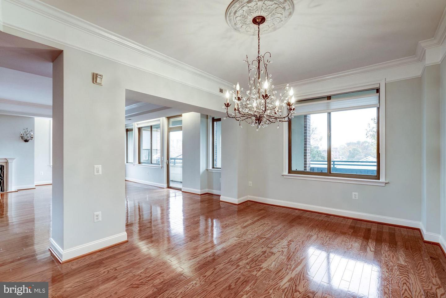 Additional photo for property listing at 1450 Emerson Ave #314 1450 Emerson Ave #314 McLean, Virginia 22101 United States