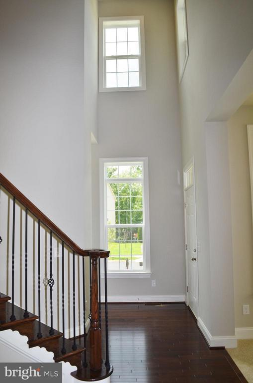 Foyer - 10629 SMITH POND LN #15, MANASSAS