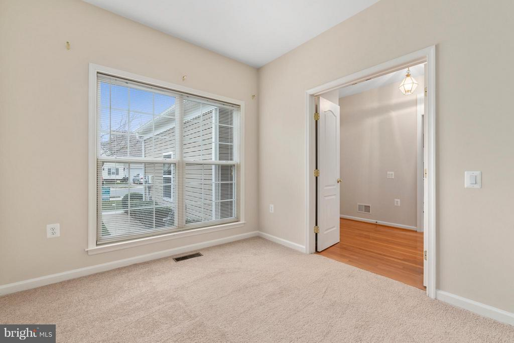 Large Windows for Ample Natural Light - 43 LEGEND DR, FREDERICKSBURG