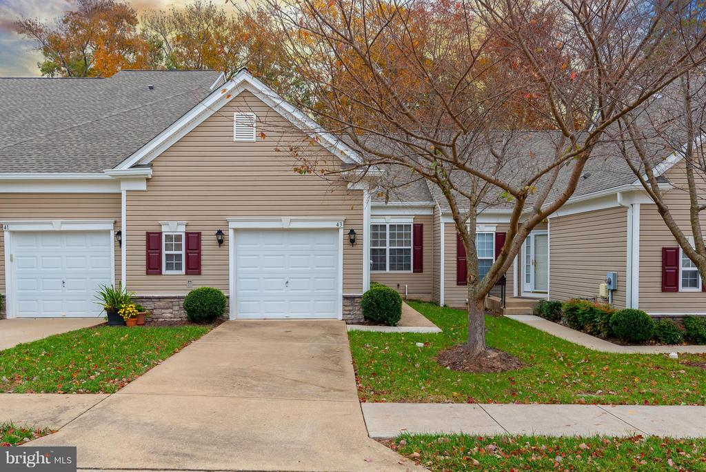 The Villas at Falls Run!!! - 43 LEGEND DR, FREDERICKSBURG