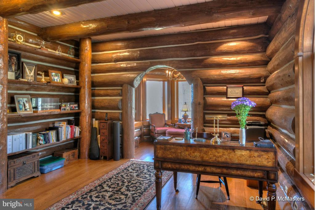 GREAT LIBRARY OFFICE + SITTING AREA  MAIN FLOOR - 610 PIN OAK RD, PAW PAW