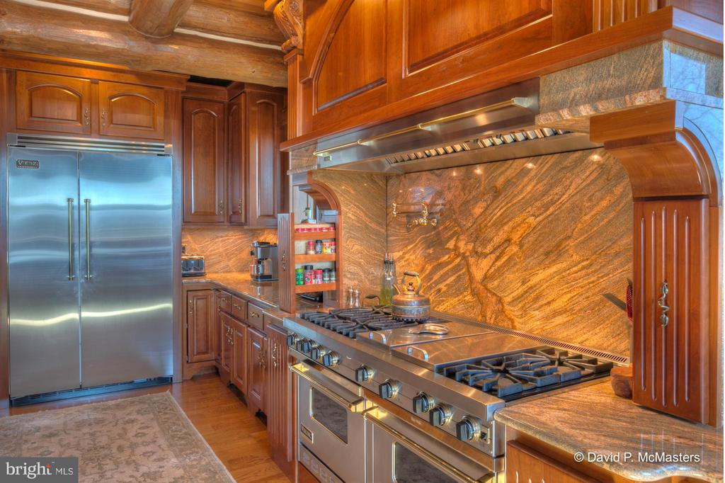 KITCHEN; NOTE STOVES, FLOOR, SUROUND, MARBLE - 610 PIN OAK RD, PAW PAW
