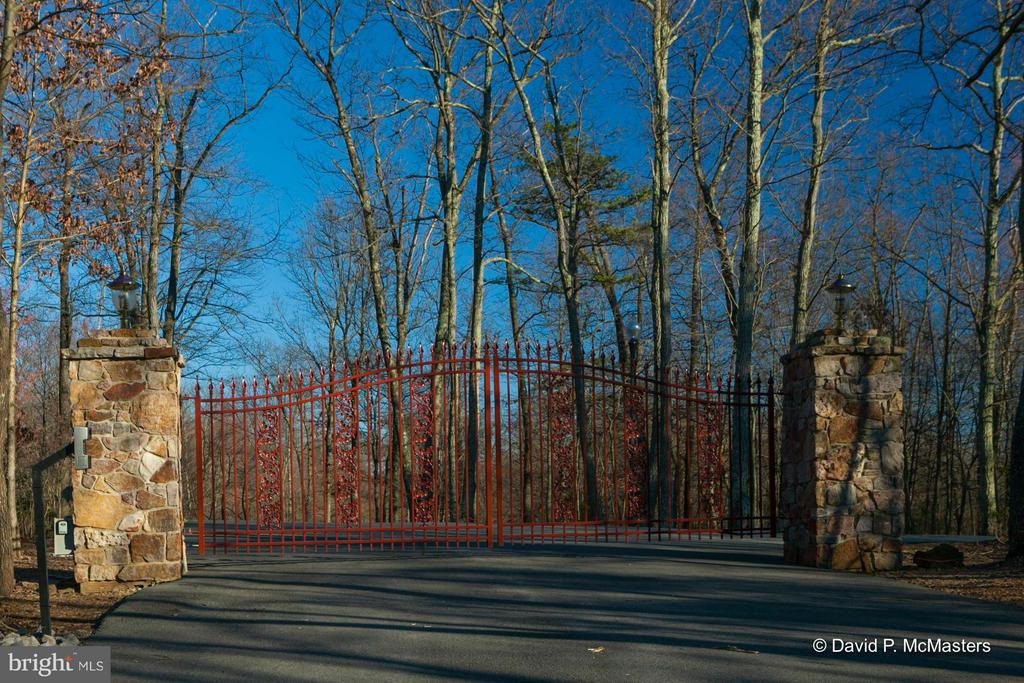 GATED ENTRY ABOUT 1/2 MILE FROM HOME - 610 PIN OAK RD, PAW PAW