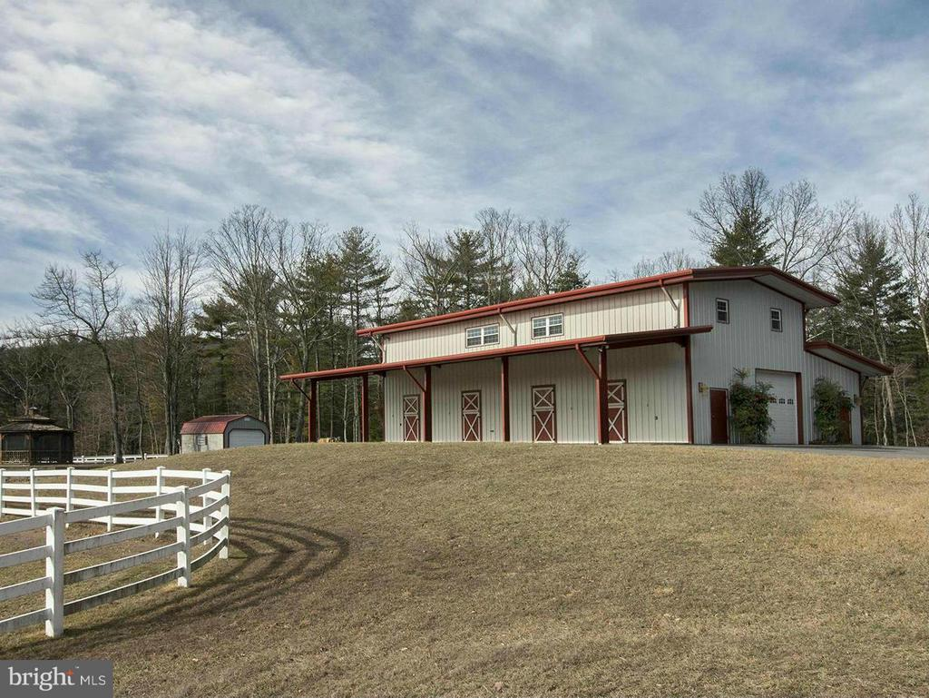 BARN W/APT ABOVE. PAVED ROAD, EQUIP SHED IN BACKGR - 610 PIN OAK RD, PAW PAW