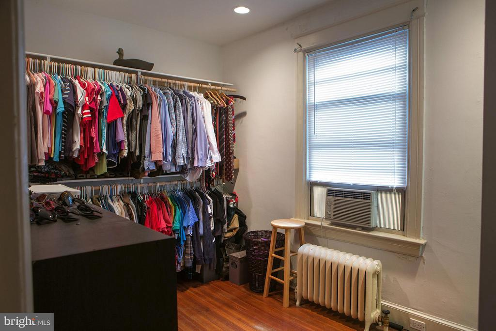Unit G Den or Small Third Bedroom - 710 MARYLAND AVE NE, WASHINGTON