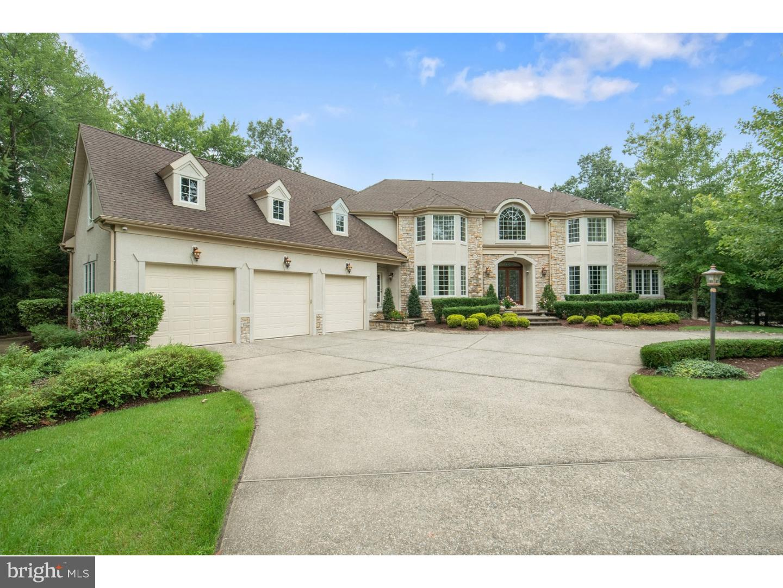 Maison unifamiliale pour l Vente à 16 WOODGLEN Lane Voorhees, New Jersey 08043 États-UnisDans/Autour: Voorhees