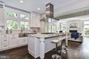 Light-filled Kitchen & Great Room w/ green views - 5601 WILLIAMSBURG BLVD, ARLINGTON