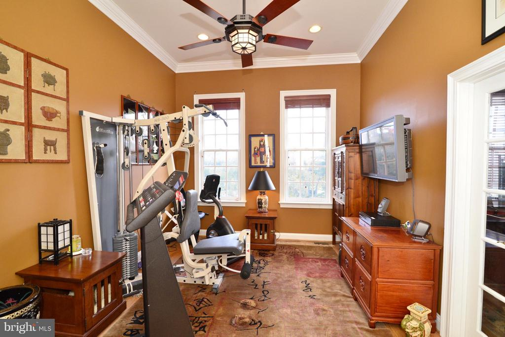 Exercise Room / Office - 1412 N MEADE ST, ARLINGTON