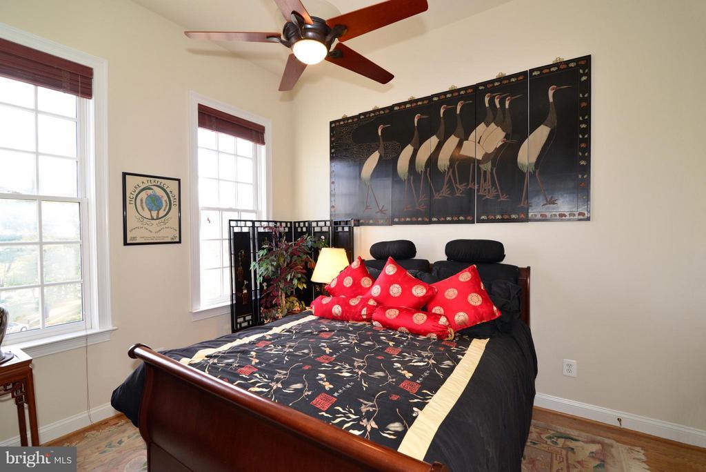 Bedroom 3 - 1412 N MEADE ST, ARLINGTON