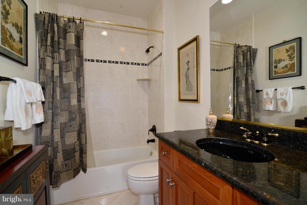 Bathroom 3 - 1412 N MEADE ST, ARLINGTON