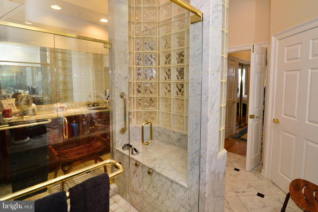 Master Bathroom - 1412 N MEADE ST, ARLINGTON