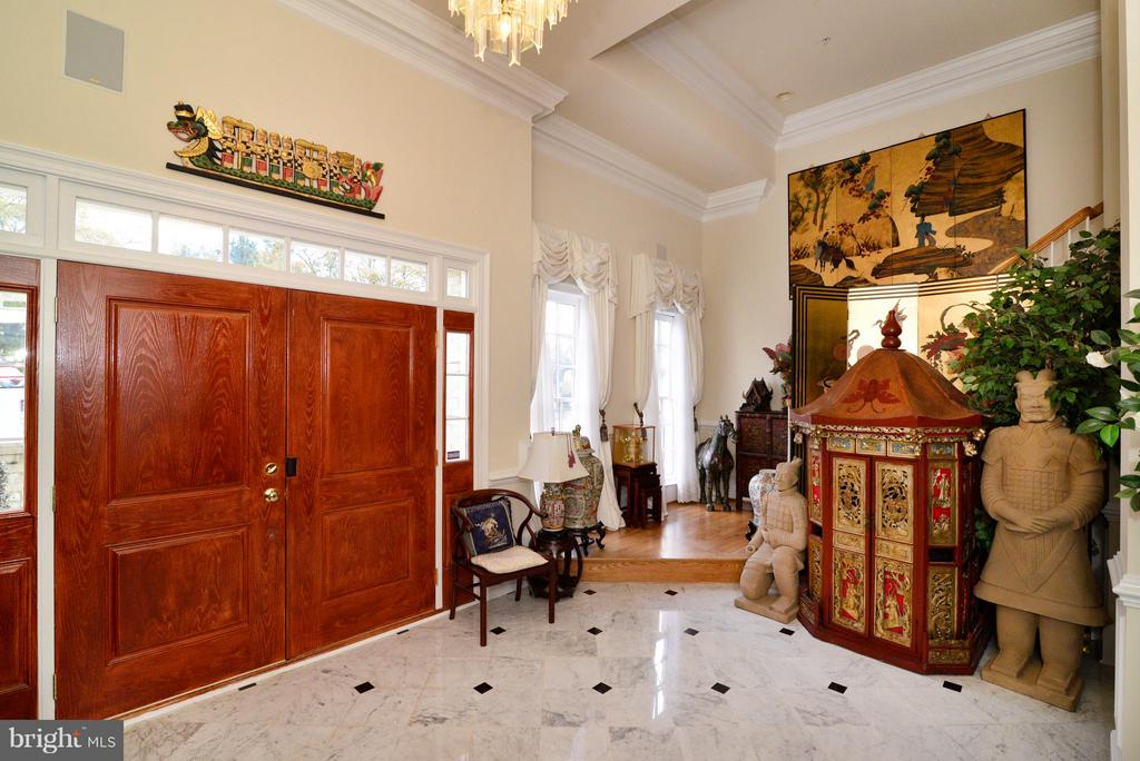 Marble Foyer w/ High Ceilings - 1412 N MEADE ST, ARLINGTON