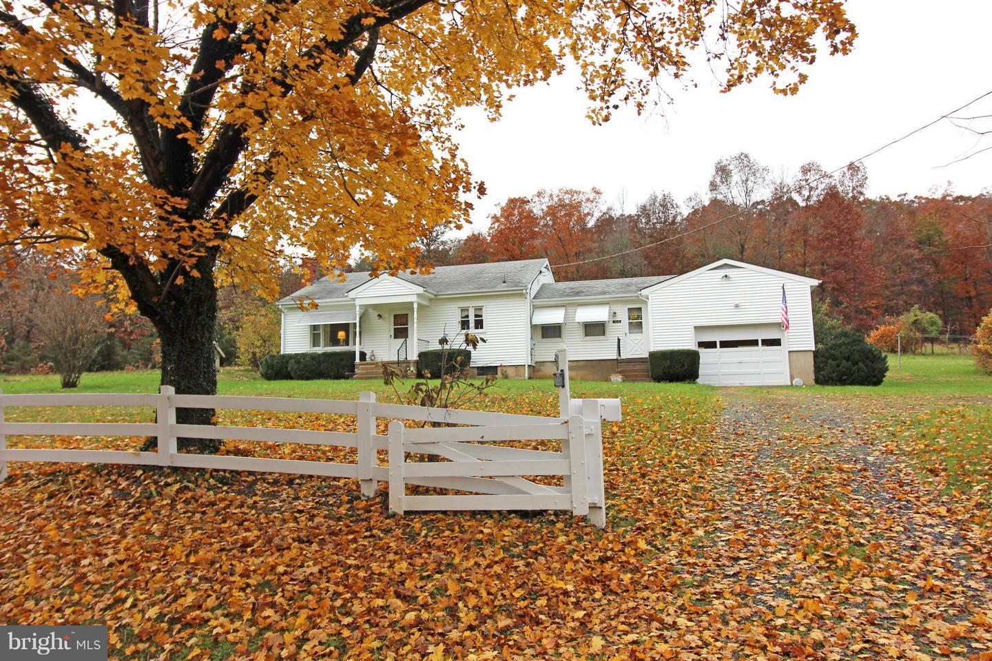 Single Family for Sale at 1168 Camp Roosevelt Rd Fort Valley, Virginia 22652 United States